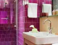 Ванна в кольорі фуксія фото
